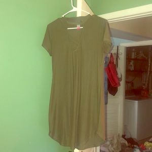 Dresses & Skirts - green fitted dress